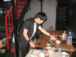 HORIちゃん焼肉に向けてセッティング中